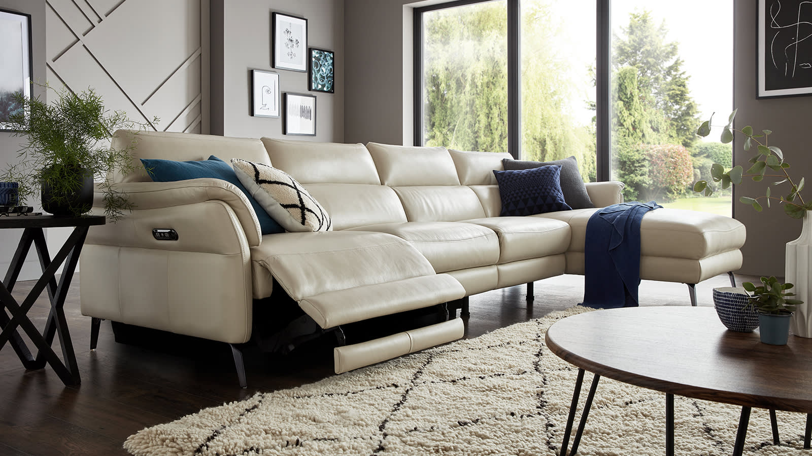 Miraculous Recliner Sofas Leather Fabric And Corner Sofology Bralicious Painted Fabric Chair Ideas Braliciousco