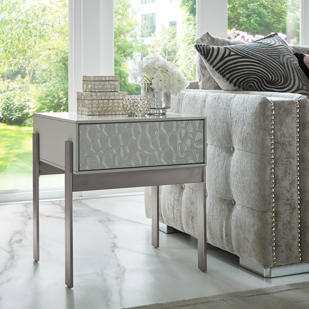 Lowa end table